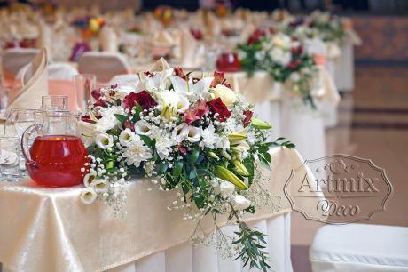 Единый стиль в украшении свадебного зала