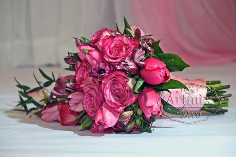 Букет невесты микс, из тюльпан, роз, альстромерии
