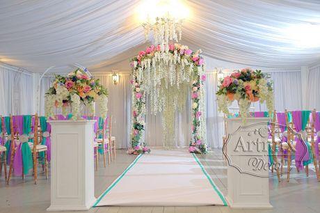 Шёлковая Глициния (лоза) в оформлении свадебной арки