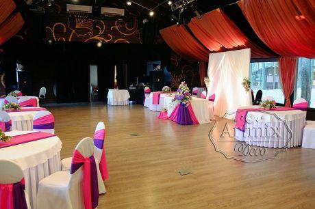 Оформление свадебного банкетного зала в загородном курорте Лесная Рапсодия