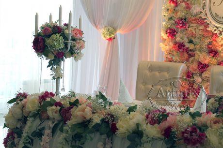 Декор свадебного стола молодоженов