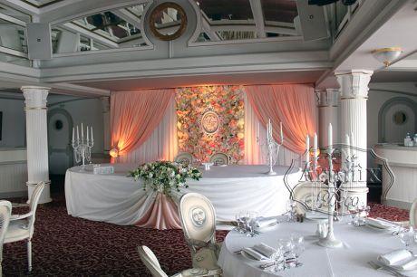 Оформление свадебного торжества в разноцветной палитре